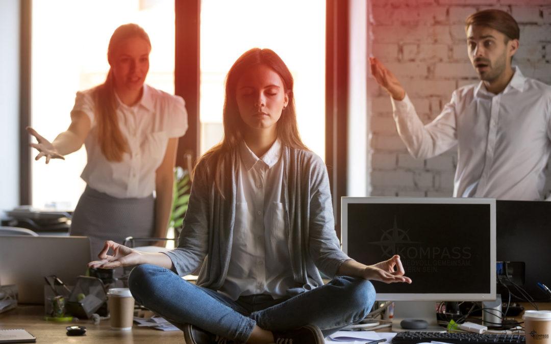 7 Ideen, wie du den Nörgler*innen an friedvoller Elternschaft begegnen kannst